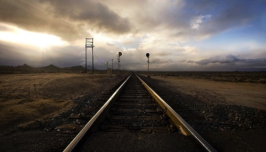 UltimateGraveyard - Mojave Desert train tracks